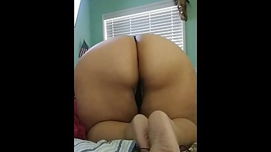 Ass shaking and feet
