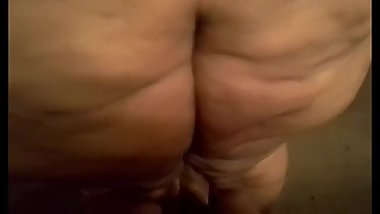 SSBBW BUBBLY FARTS ON DICK 5