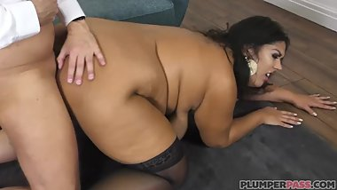 Trailer Escort police French bbw Cassy Hill with Marc Kaye Plumperpass