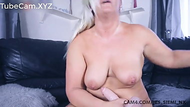 beautiful blonde busty bbw milf loves to work her pussy