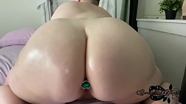 Sexy Fat Babe Anal Masturbates For Daddy