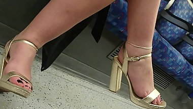 Blonde bitch & her hot feet