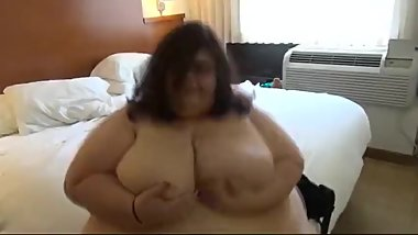 Does anyone have ssbbw juivy jackie vids?