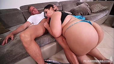 huge booty Emma Bailey in Lost And Pound