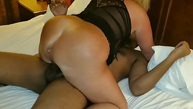 BIG ASS BLONDE HOTWIFE SHARED BBC GANGBANG MILF MOM REAL AMATEUR SEX POV