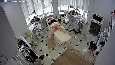 Hidden cameras. Beauty salon, waxing pussy and ass mom