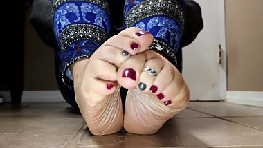 Women with Beautiful Feet