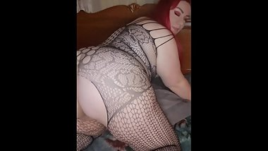 BBW Open pussy twerking in fishnets
