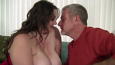 fat MILF takes cock like candy