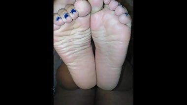 foot worshiping 20 yr old latina bbw